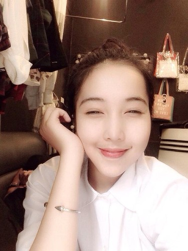 Em gai hot girl Lee Balan xinh dep khong thua chi-Hinh-11
