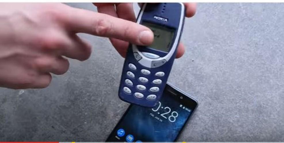 Nokia 6 va Nokia 3310 do suc o thi nghiem tha roi-Hinh-5