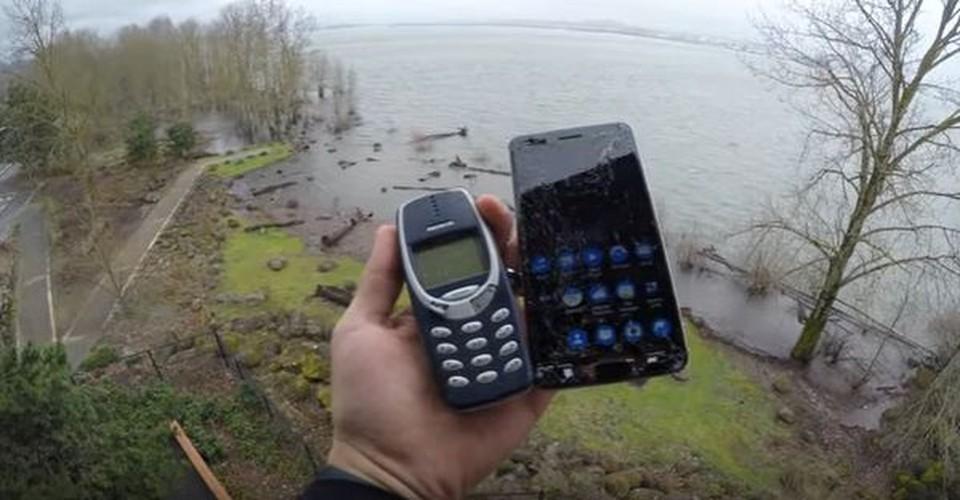 Nokia 6 va Nokia 3310 do suc o thi nghiem tha roi-Hinh-11