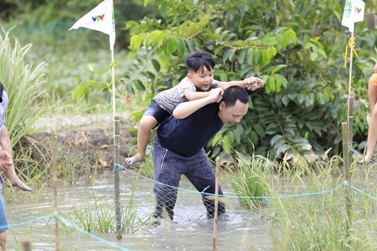 "Tiet lo thu vi ve dan sao ""Bo oi! Minh di dau the"" mua 4-Hinh-2"