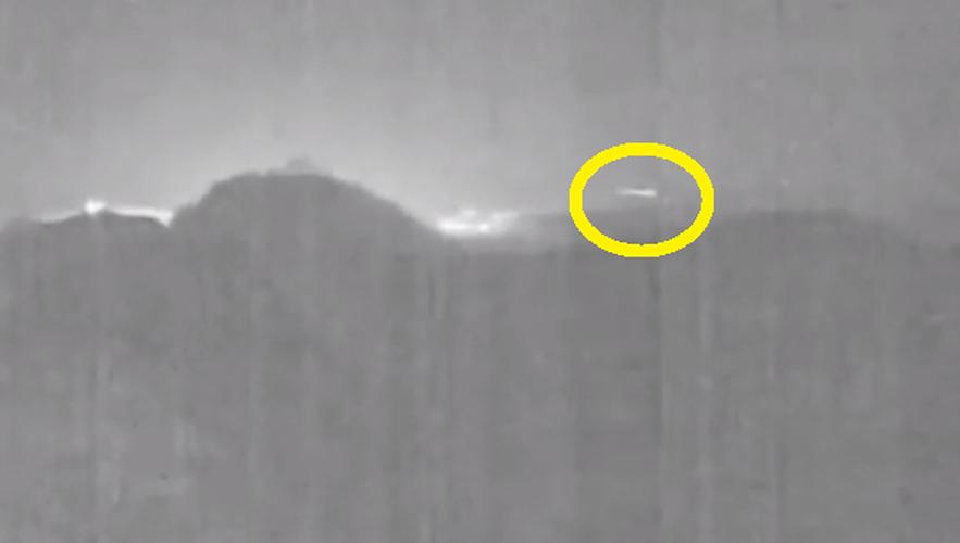Can canh thien thach bang ngang nui lua o Costa Rica-Hinh-4