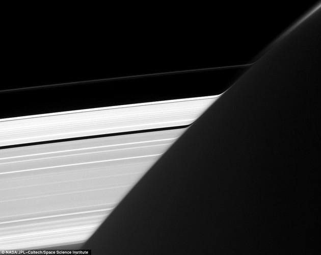 Chum anh phan giai cao ve Mat trang Mimas cua sao Tho-Hinh-3