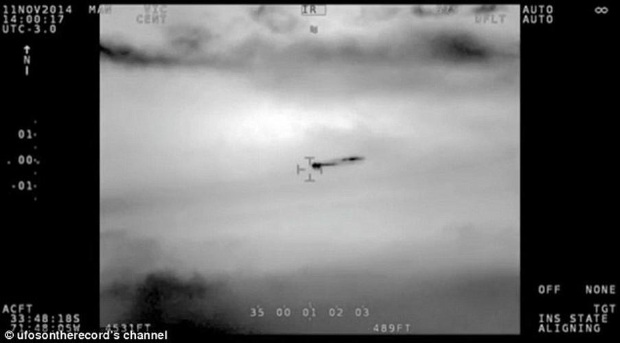 UFO luon lo truoc may bay quan su o Chile-Hinh-4