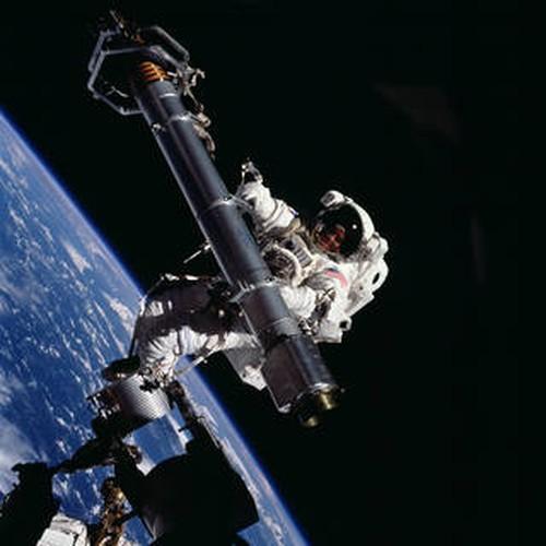 Su thuc thu vi ve chuyen di bo ngoai khong gian qua anh NASA-Hinh-8