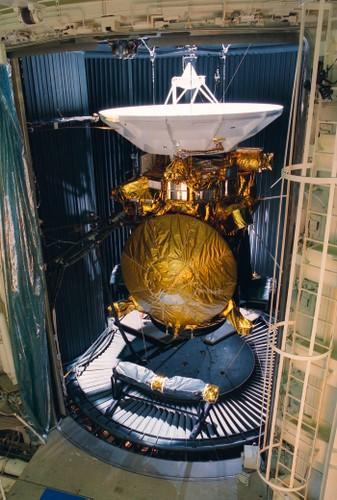 Anh quy hiem chup can canh dien mao tau vu tru Cassini cua NASA-Hinh-6
