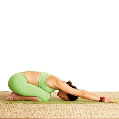 6 tu the yoga tri dau moi lung cho nguoi ngoi lau-Hinh-10