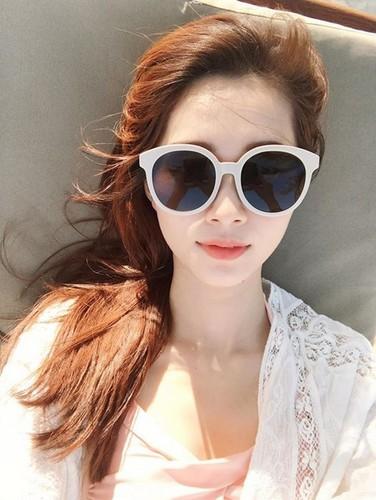 Than tien ty ty Dang Thu Thao dot mat fan moi lan ra bien-Hinh-5