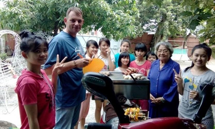 Nhung moi tinh dep nhu mo cua trai Tay gai Viet nam 2016-Hinh-6