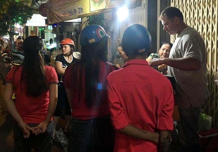 Nhung moi tinh dep nhu mo cua trai Tay gai Viet nam 2016-Hinh-8