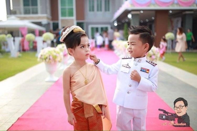 Cam dong dam cuoi co tich cua nhung cap doi di thuong-Hinh-7