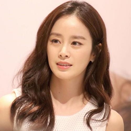 Bo tui cach lam dep toan dien cua Kim Tae Hee