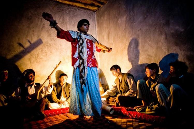 Can canh cuoc song cua trai nhay o Afghanistan