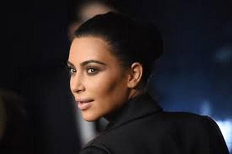 Doc chieu tri mun hieu qua cua chi em nha Kim Kardashian-Hinh-2
