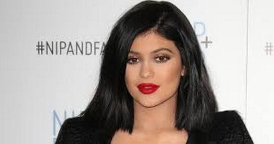 Doc chieu tri mun hieu qua cua chi em nha Kim Kardashian-Hinh-9