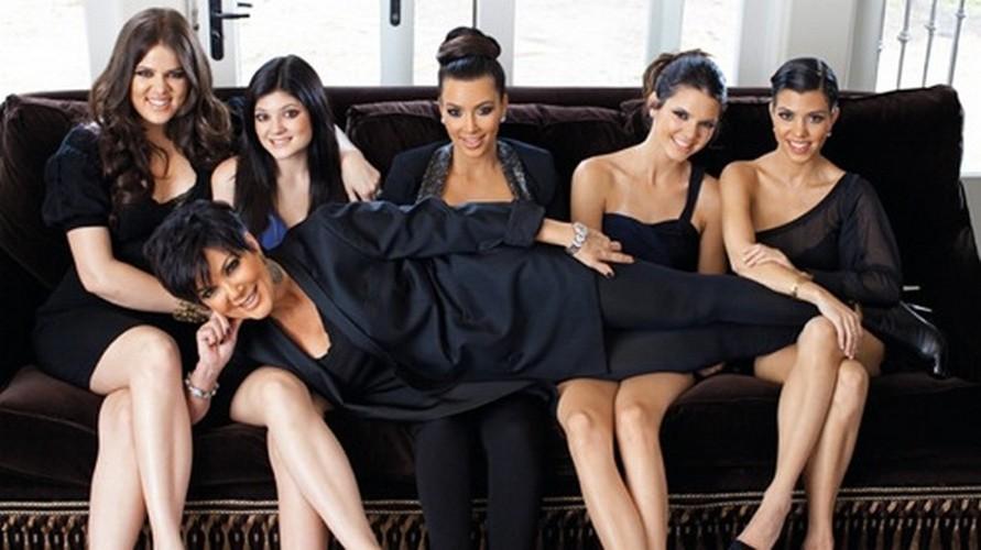 Doc chieu tri mun hieu qua cua chi em nha Kim Kardashian