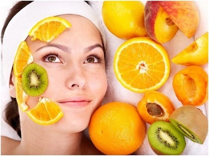 Tuyet chieu lam dep bang vitamin C cho da trang min