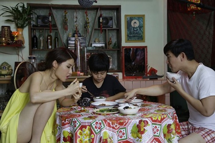 Con gai oi, tranh 5 tu the lam hong xuong chau nay nhe-Hinh-2