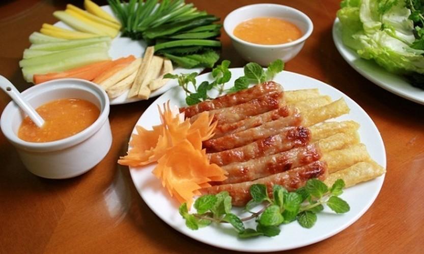 Ghe tham que huong Hoai Linh thuong thuc 7 mon ngon het y-Hinh-8