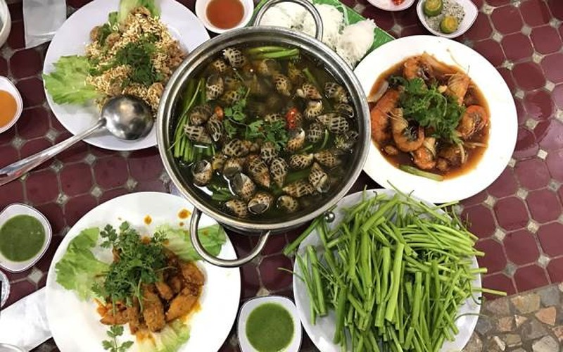 5 cach trang tri mam lau nhin da chay nuoc mieng-Hinh-2