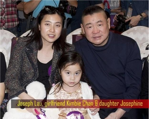 Ty phu Hong Kong viet thong cao bao chi ly di vo-Hinh-3