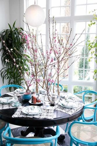 Muon kieu trang tri nha dep voi hoa dao don Tet-Hinh-2
