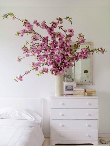 Muon kieu trang tri nha dep voi hoa dao don Tet-Hinh-7