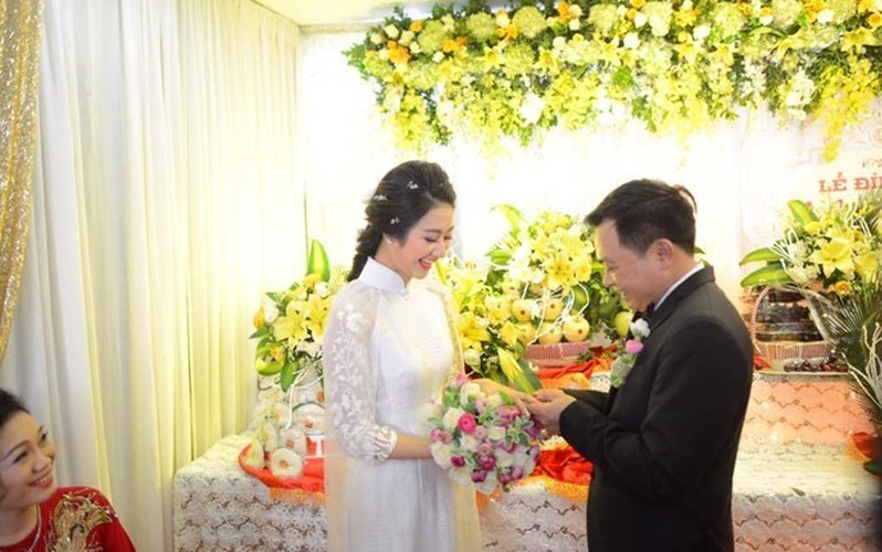 Loat qua cuoi khung chong dai gia tang Hoa hau Thu Ngan-Hinh-6