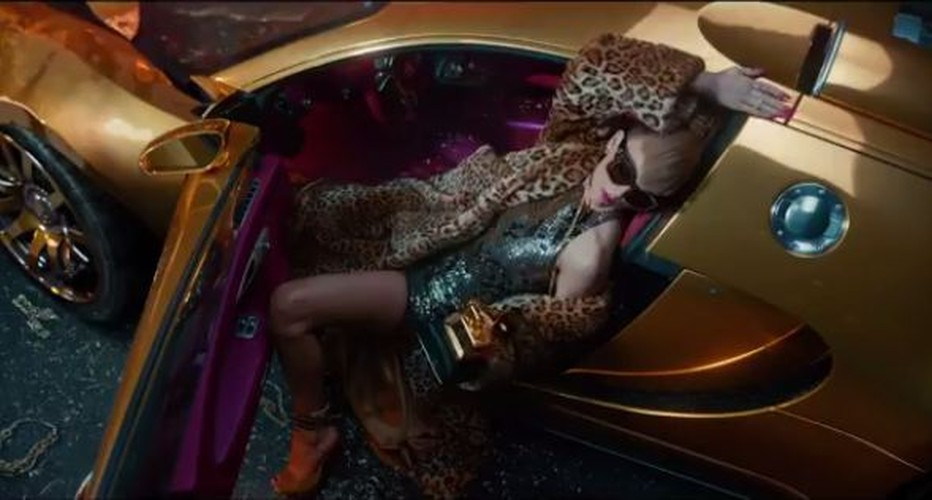 Soi kim cuong 100 trieu USD gay choang trong bon tam cua Taylor Swift-Hinh-8