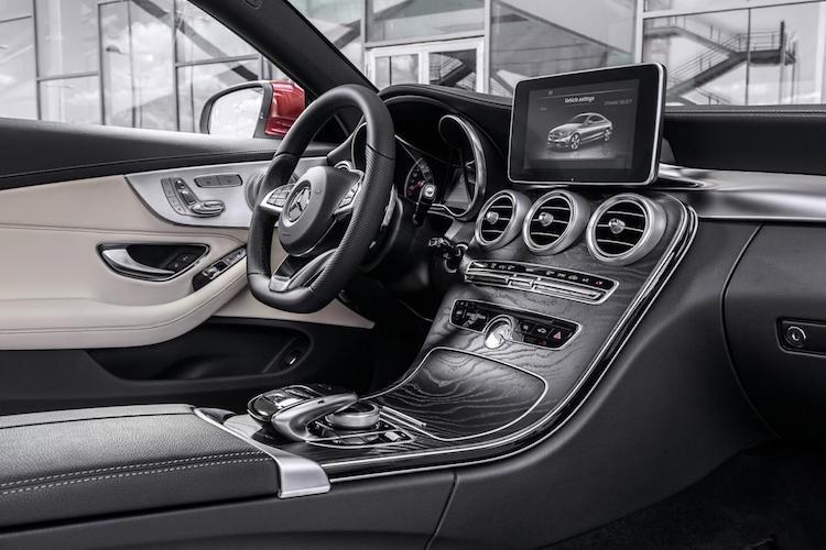 "Mercedes ra mat phien ban C-Class coupe ""sang chanh""-Hinh-4"