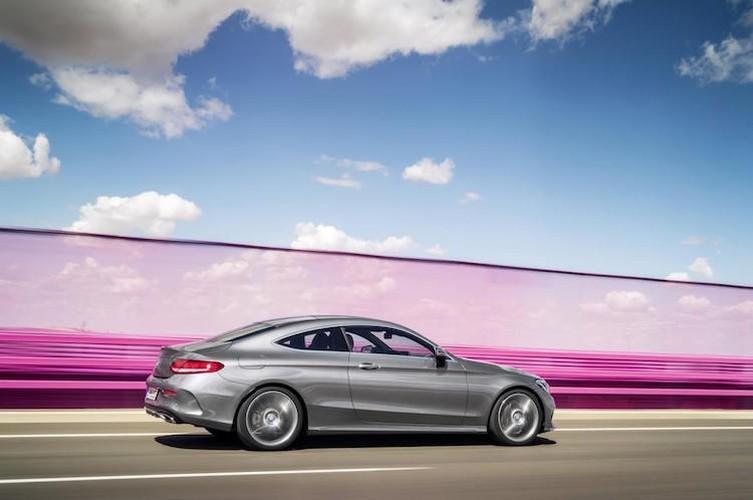 "Mercedes ra mat phien ban C-Class coupe ""sang chanh""-Hinh-9"