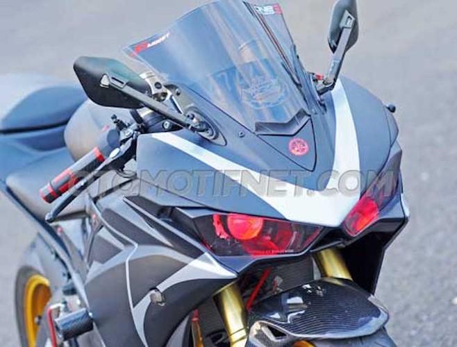 Chiem nguong Yamaha R25 phong cach sieu moto-Hinh-2