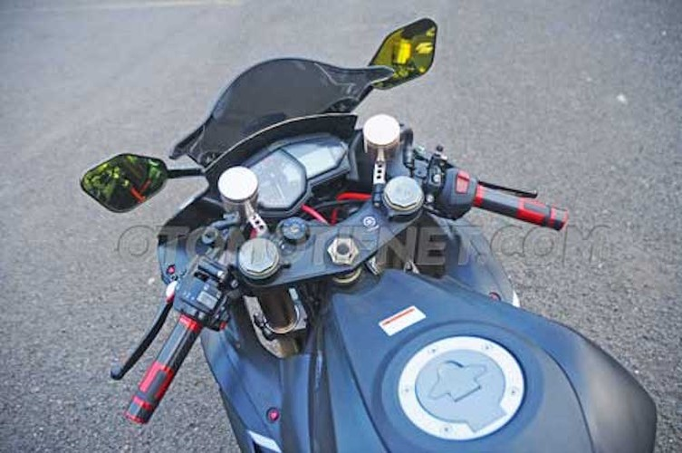 Chiem nguong Yamaha R25 phong cach sieu moto-Hinh-3