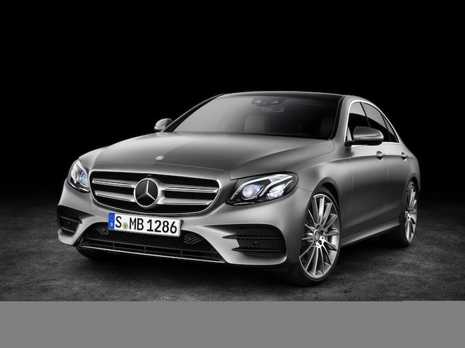 Mercedes E-Class the he 2016 sap ra mat co gi hay?