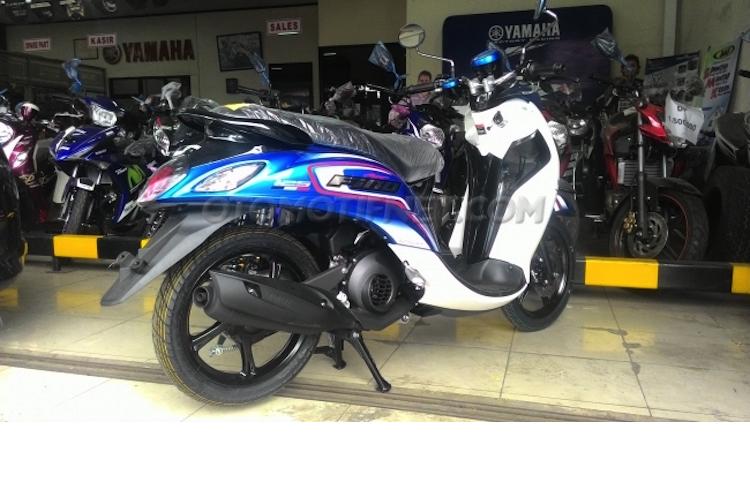 Yamaha ra mat xe tay ga Fino Blue Core gia 25 trieu-Hinh-2