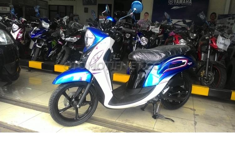 Yamaha ra mat xe tay ga Fino Blue Core gia 25 trieu