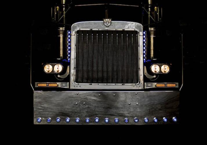 "Can canh ""sieu xe dau keo"" Optimus trong Transformers-Hinh-3"