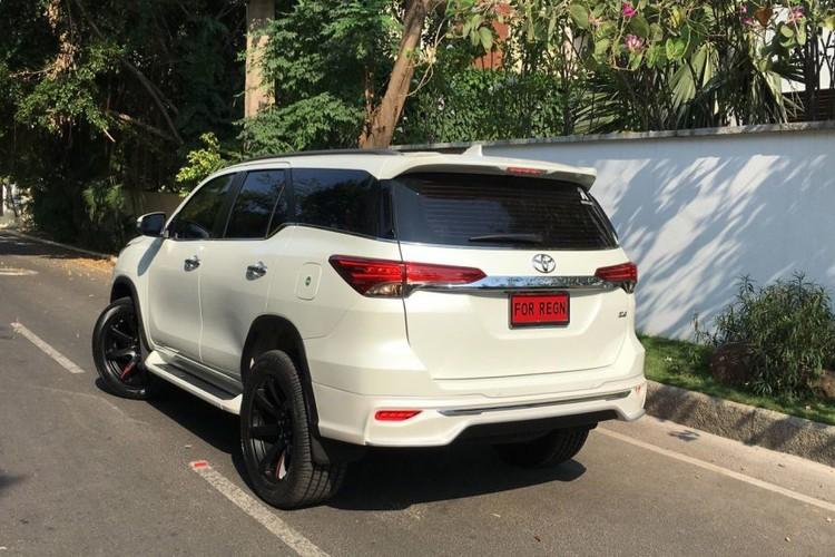 "Toyota Fortuner 2017 do bodykit ""Fiar Design"" sieu an tuong-Hinh-2"
