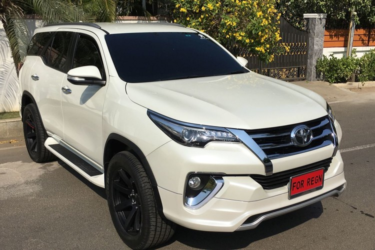 "Toyota Fortuner 2017 do bodykit ""Fiar Design"" sieu an tuong-Hinh-6"