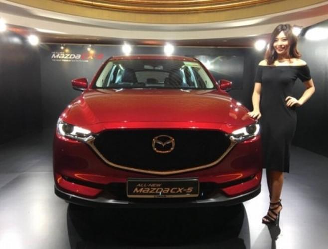 """Xe oto Mazda CX-5 2017 """"thet gia"""" tien ty tai Singapore"""