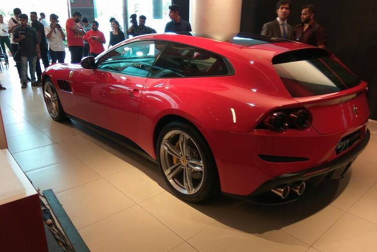 "Sieu xe 4 cho Ferrari GTC4Lusso ""dat lop"" toi An Do-Hinh-4"