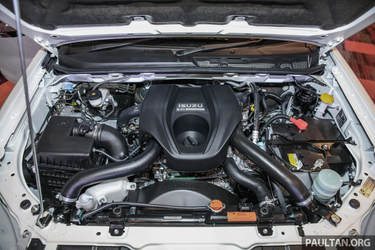 "Isuzu Mu –X, ""doi thu"" Toyota Fortuner them ban nang cap-Hinh-13"