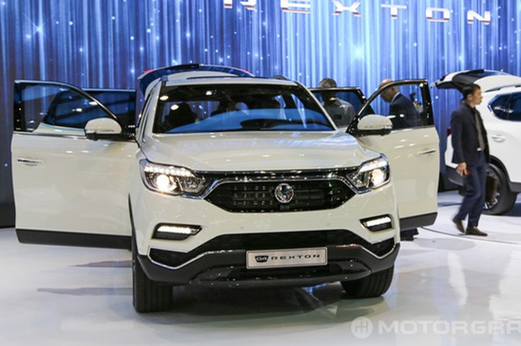 "SsangYong Rexton 2018 sap ve Viet Nam ""dau"" Toyota Fortuner-Hinh-5"