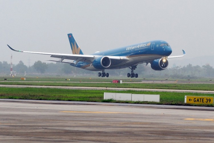 Can canh sieu may bay A350-900 thu 8 cua Vietnam Airlines-Hinh-4