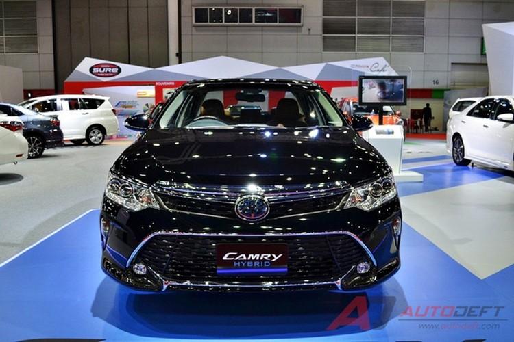 Toyota Camry 2017 nang cap tai Thai Lan gia 956 trieu-Hinh-3