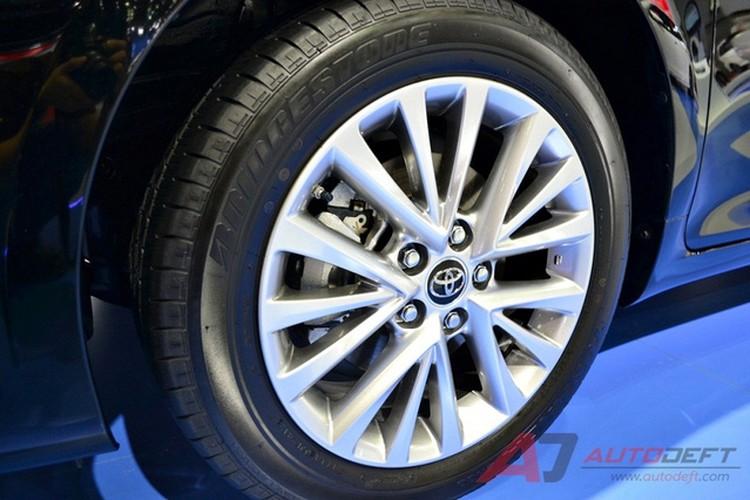 Toyota Camry 2017 nang cap tai Thai Lan gia 956 trieu-Hinh-5