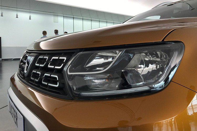 """Soi """"anh song"""" xe oto gia re Renault Duster 2018-Hinh-4"""