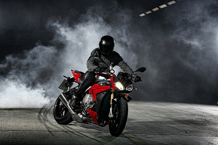 Top xe moto naked-bike dang mua nhat nam 2017-Hinh-14