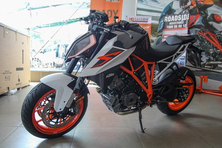 Top xe moto naked-bike dang mua nhat nam 2017-Hinh-8