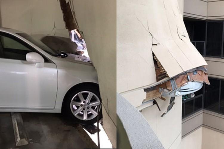 Nu tai xe lai xe sang Lexus dam thung nha cao tang-Hinh-4