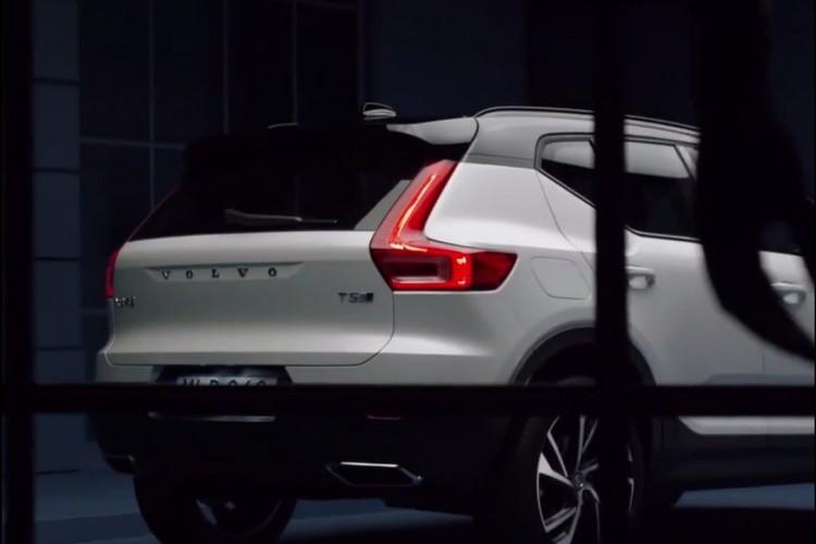 "Volvo XC40 2018 lo ""anh nong"" truoc ngay ra mat-Hinh-3"
